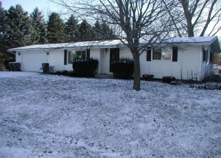 Foreclosed Home in Twin Lakes 53181 ROOSEVELT RD - Property ID: 4236224817