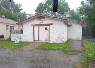 Foreclosed Home in Memphis 38111 ELLISTON RD - Property ID: 4239227109
