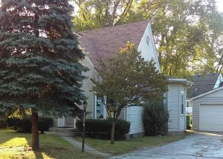 Foreclosed Home in Munster 46321 E DELAWARE PKWY - Property ID: 4240816980