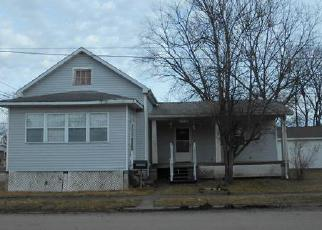 Foreclosed Home in Mascoutah 62258 N 2ND ST - Property ID: 4241536112