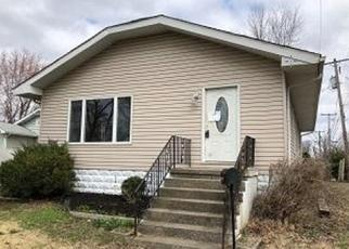 Foreclosed Home in Marion 62959 PARISH AVE - Property ID: 4242407690