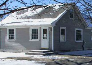 Foreclosed Home in Davenport 52806 N DIVISION ST - Property ID: 4242519816