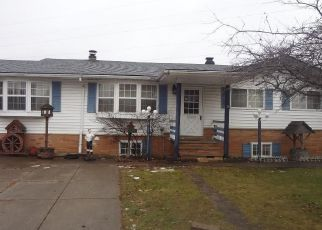 Foreclosed Home in Brook Park 44142 SYLVIA DR - Property ID: 4243313414