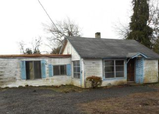 Foreclosed Home in Lebanon 97355 LACOMB DR - Property ID: 4243362469
