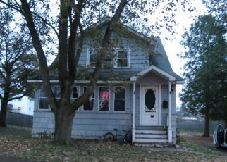 Foreclosed Home in Baldwinsville 13027 TRIANGLE PL - Property ID: 4243741311