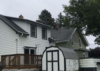 Foreclosed Home in Duluth 55806 N 27TH AVE W - Property ID: 4244117989