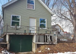 Foreclosed Home in Milwaukee 53206 N 11TH LN - Property ID: 4244895376