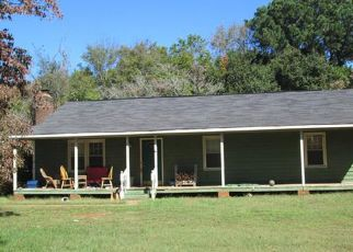 Foreclosed Home in Charlotte 28227 S HAMPTON DR - Property ID: 4245985493