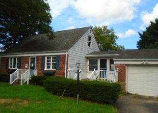 Foreclosed Home in Huntington Station 11746 MELVILLE RD N - Property ID: 4246282894