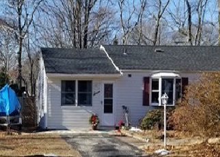 Foreclosed Home in Blue Point 11715 BARROW PL - Property ID: 4247867920