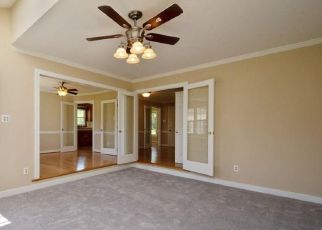 Foreclosed Home in Sandston 23150 GRAY BARK CT - Property ID: 4249149419