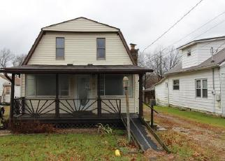 Foreclosed Home in Parkersburg 26101 13TH AVE - Property ID: 4249161685
