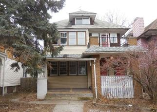 Foreclosed Home in Milwaukee 53208 N HI MOUNT BLVD - Property ID: 4249169119