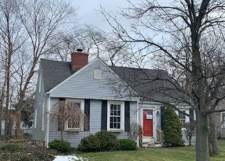 Foreclosed Home in Hamburg 14075 EAST PKWY - Property ID: 4251947188