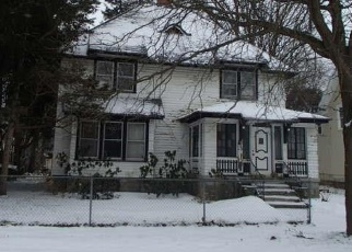 Foreclosed Home in Syracuse 13205 W KENNEDY ST - Property ID: 4252766205