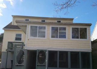 Foreclosed Home in Southport 06890 WOODROW AVE - Property ID: 4255024850