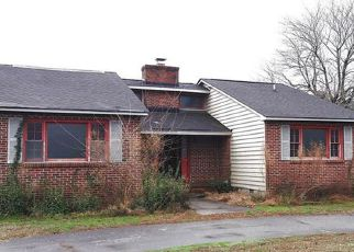 Foreclosed Home in West Point 23181 THOMPSON AVE - Property ID: 4256066338