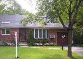 Foreclosed Home in Huntington Station 11746 LONGLEY PL - Property ID: 4257462157