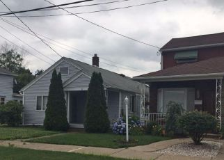 Foreclosed Home in Wilkes Barre 18706 LYNDWOOD AVE - Property ID: 4257603633