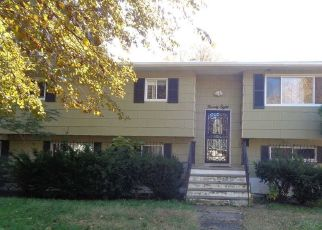Foreclosed Home in Central Islip 11722 POPLAR ST - Property ID: 4258245708