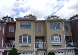 Foreclosed Home in Elizabeth 07206 HARBOR FRONT CT - Property ID: 4259308219