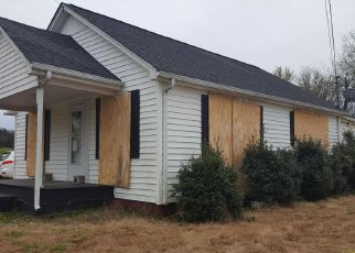 Foreclosed Home in Greenback 37742 DOTSON RD - Property ID: 4259777293