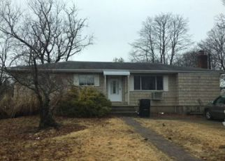 Foreclosed Home in Bay Shore 11706 SAINT LOUIS AVE - Property ID: 4260981729