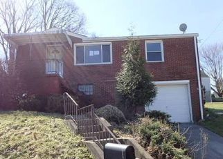 Foreclosed Home in Clairton 15025 TOMAN AVE - Property ID: 4261285236