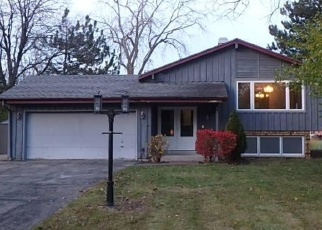 Foreclosed Home in New Berlin 53151 W REDWOOD DR - Property ID: 4261630362
