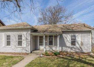 Foreclosed Home in Cedar Rapids 52404 J ST SW - Property ID: 4261878254
