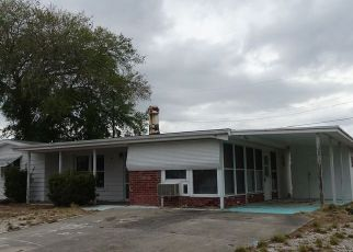 Foreclosed Home in Holiday 34690 GENESIS AVE - Property ID: 4262038108