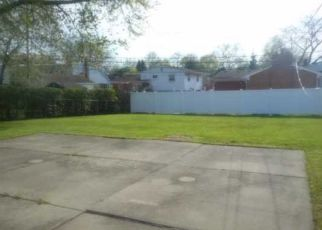 Foreclosed Home in Trenton 48183 KENWOOD ST - Property ID: 4262584715
