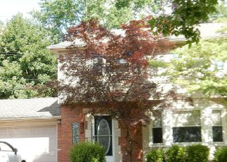 Foreclosed Home in Grosse Pointe 48236 LA BELLE RD - Property ID: 4262625442