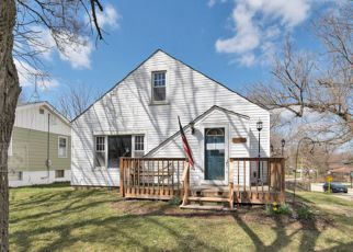 Foreclosed Home in Downers Grove 60515 MAPLE AVE - Property ID: 4262873332