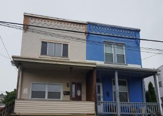 Foreclosed Home in Harrisburg 17111 HUNTINGDON ST - Property ID: 4263599499