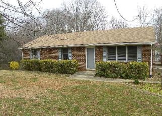 Foreclosed Home in Bedford 24523 WOODHAVEN DR - Property ID: 4264391348