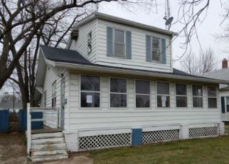 Foreclosed Home in Lincoln 62656 N SANGAMON ST - Property ID: 4266309682