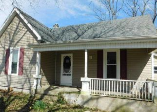 Foreclosed Home in Lawrenceburg 40342 GLENSBORO RD - Property ID: 4267664783