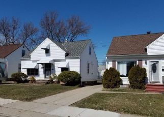 Foreclosed Home in Maple Heights 44137 EDGEWOOD AVE - Property ID: 4267744479