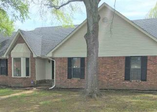 Foreclosed Home in Memphis 38141 HILL GAIL DR - Property ID: 4269152567