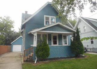 Foreclosed Home in Waukesha 53186 W NEWHALL AVE - Property ID: 4269297990