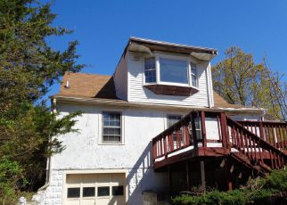 Foreclosed Home in Clinton 20735 WOODYARD RD - Property ID: 4270083256