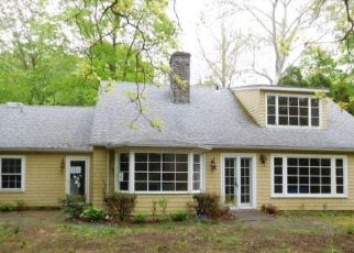 Foreclosed Home in Fairfield 06824 HOYDENS HILL RD - Property ID: 4271826398