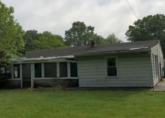 Foreclosed Home in Dover 19901 WAYNE DR - Property ID: 4271859693