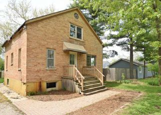 Foreclosed Home in Mchenry 60051 ROBERTS RD - Property ID: 4272189927