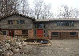 Foreclosed Home in Lansing 48917 W WILLOW HWY - Property ID: 4272440437
