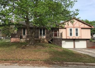 Foreclosed Home in Blue Springs 64015 SW 16TH ST - Property ID: 4272500443