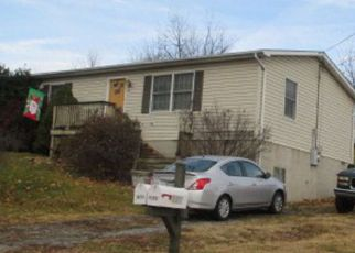 Foreclosed Home in Front Royal 22630 W 18TH ST - Property ID: 4273049215