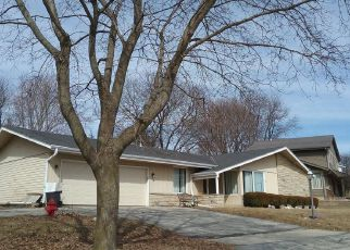 Foreclosed Home in Waukesha 53188 RAMSHEAD CT - Property ID: 4273084250
