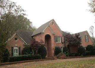 Foreclosed Home in Germantown 38138 POPLAR PIKE - Property ID: 4274023719